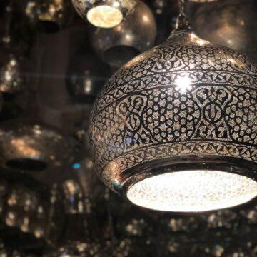 negozio di lampade arabe a Dahab sul mar Rosso Egitto